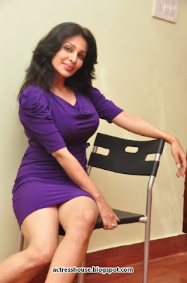 Asha Saini Hot in miniskirt Photoshoot