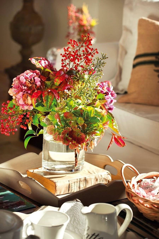 wystrój wnętrz, home decor, wnętrza, aranżacje, dekoracje, meble, dom, mieszkanie, styl rustykalny, styl francuski, szarości, stonowane kolory, salon, jesienny bukiet
