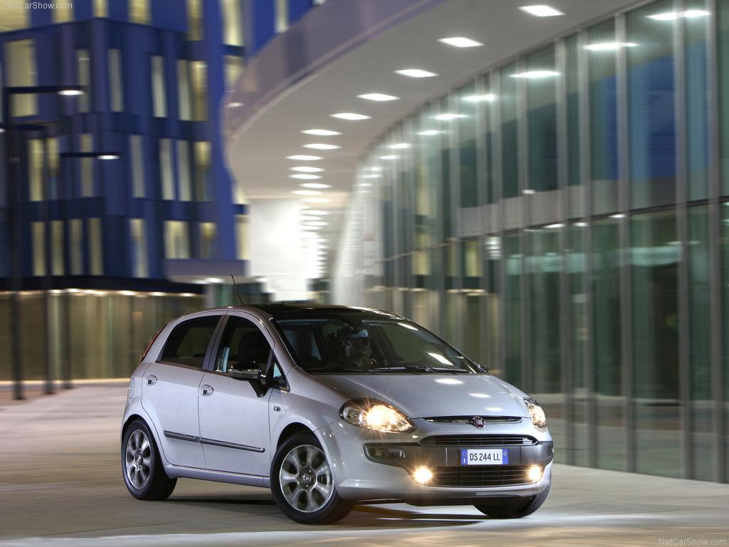 http://3.bp.blogspot.com/-3gEwzVTKVOQ/T-NSuf1mb1I/AAAAAAAAIG4/b7RkUYr2aF0/s1600/Fiat-Punto_Evo_2010_1024x768_wallpaper_06.jpg