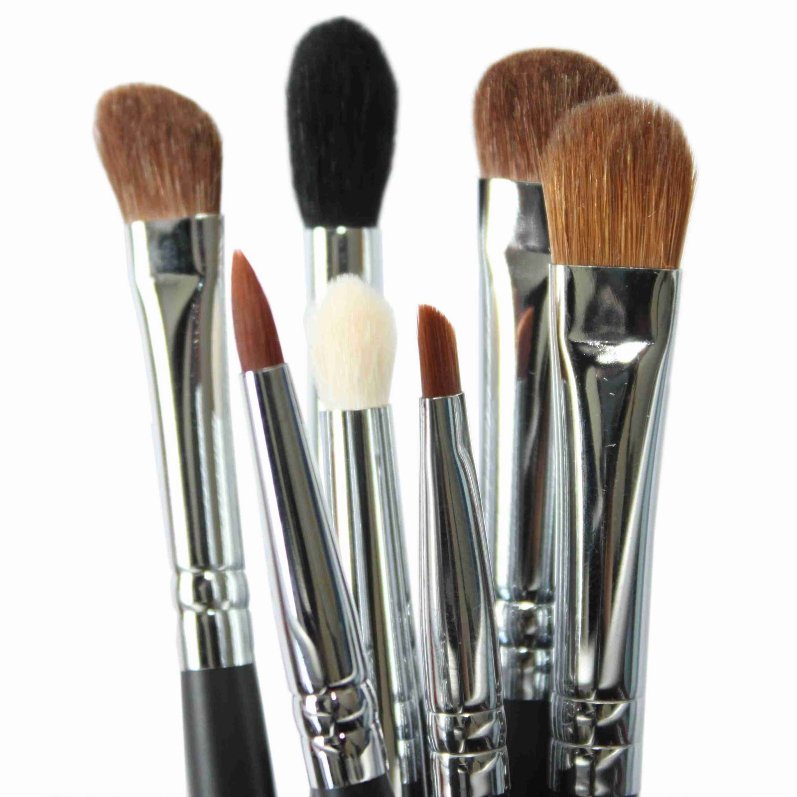 how to clean makeup brushes between colors