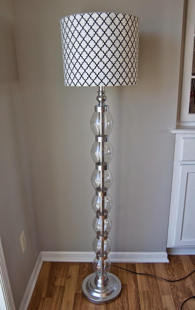 Como renovar una lampara con botellas de - Como hacer una lampara de mesa ...
