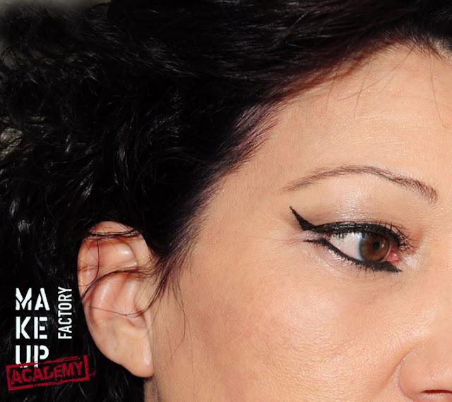 Arabischer-Look-Eyeliner