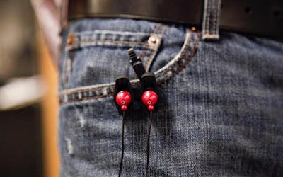 Creative and Cool Headphones and Earphones Cord Organizers (15) 12