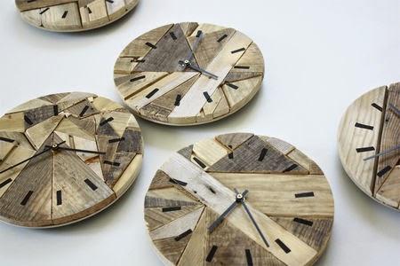 ma maison au naturel horloges en bois recycl. Black Bedroom Furniture Sets. Home Design Ideas