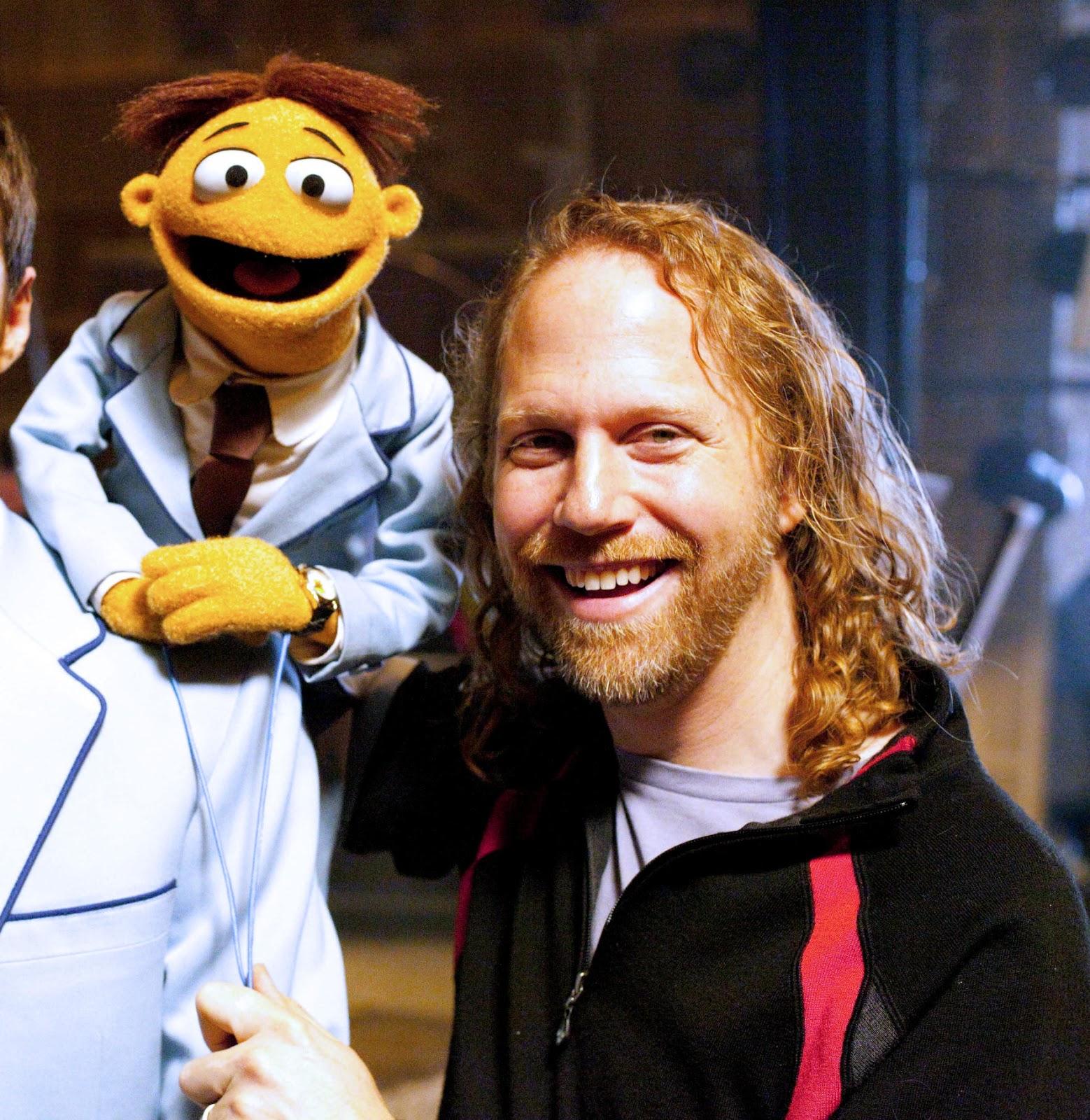 http://3.bp.blogspot.com/-3gmRrQJsbDM/UNuh3uBdeGI/AAAAAAAAQnU/seEr1jwkQv0/s1600/Peter+Linz+and+Walter.jpg