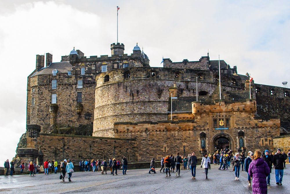 Visit the Edinburgh Castle