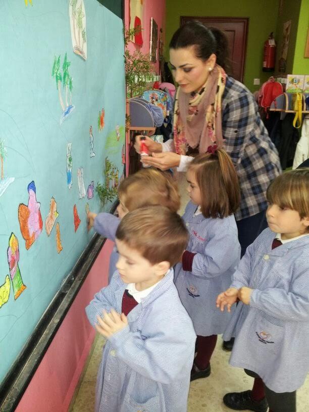 La se o maricarmen nuevo taller con madres navidad for Mural navideno