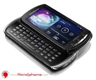 Sony Ericsson Xperia Pro MK16i : Nyaman mengetik dengan keyboard slide www.tabloidhandphone.com