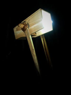 lampu belajar dari kayu jati 2