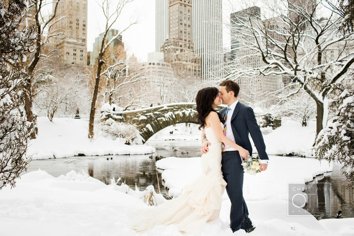 http://3.bp.blogspot.com/-3iBduat2bXk/VEtso1Bw6lI/AAAAAAAAGFA/DQd6igdy18M/s1600/NEW_YORK_WINTER_WEDDING_CHRISTIAN_OTH_1.jpg