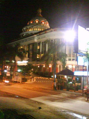 Mega bintang Hotel Cepu at Night