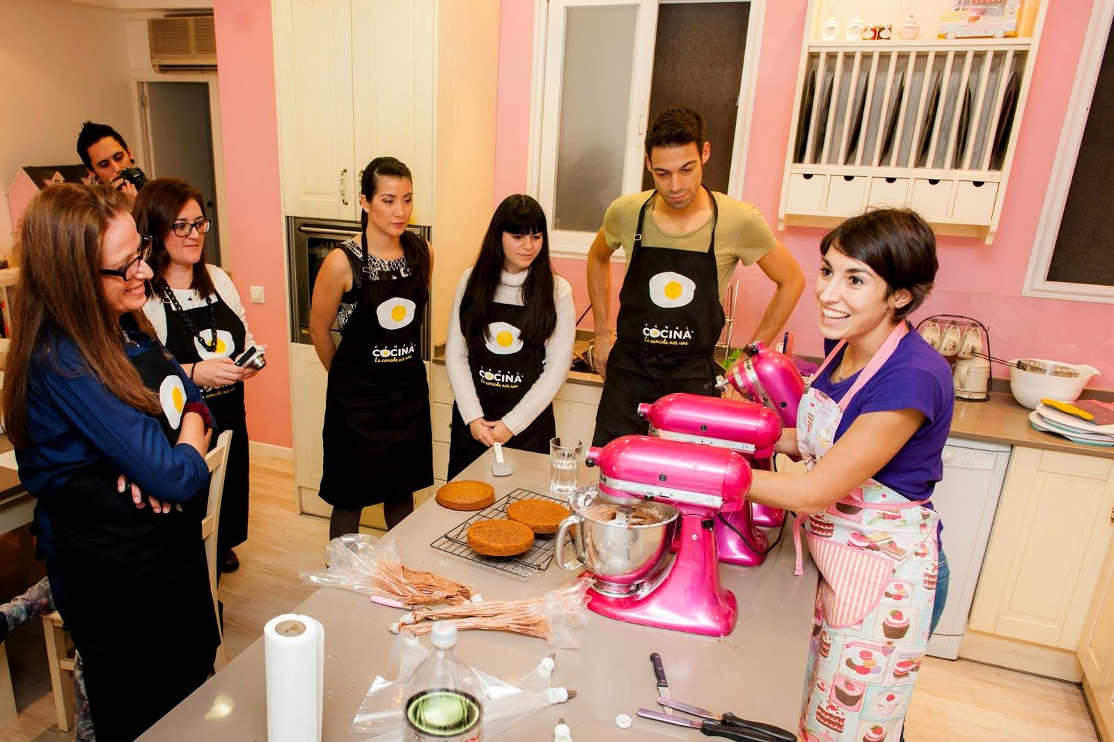 Curso de Layer Cake con Alma Obregón y Canal Cocina