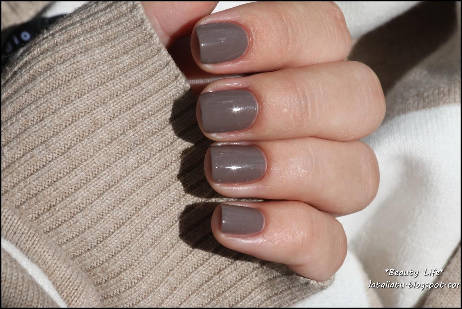 Лак vinylux палитра на ногтях фото