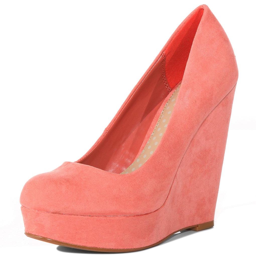 msveve lusting after shoes