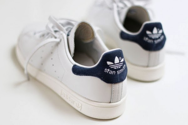 In fact, these sneakers, named after the Mr. Stan Smith (the first tennis  player to wear leather shoes on the court), have long assumed the streets.