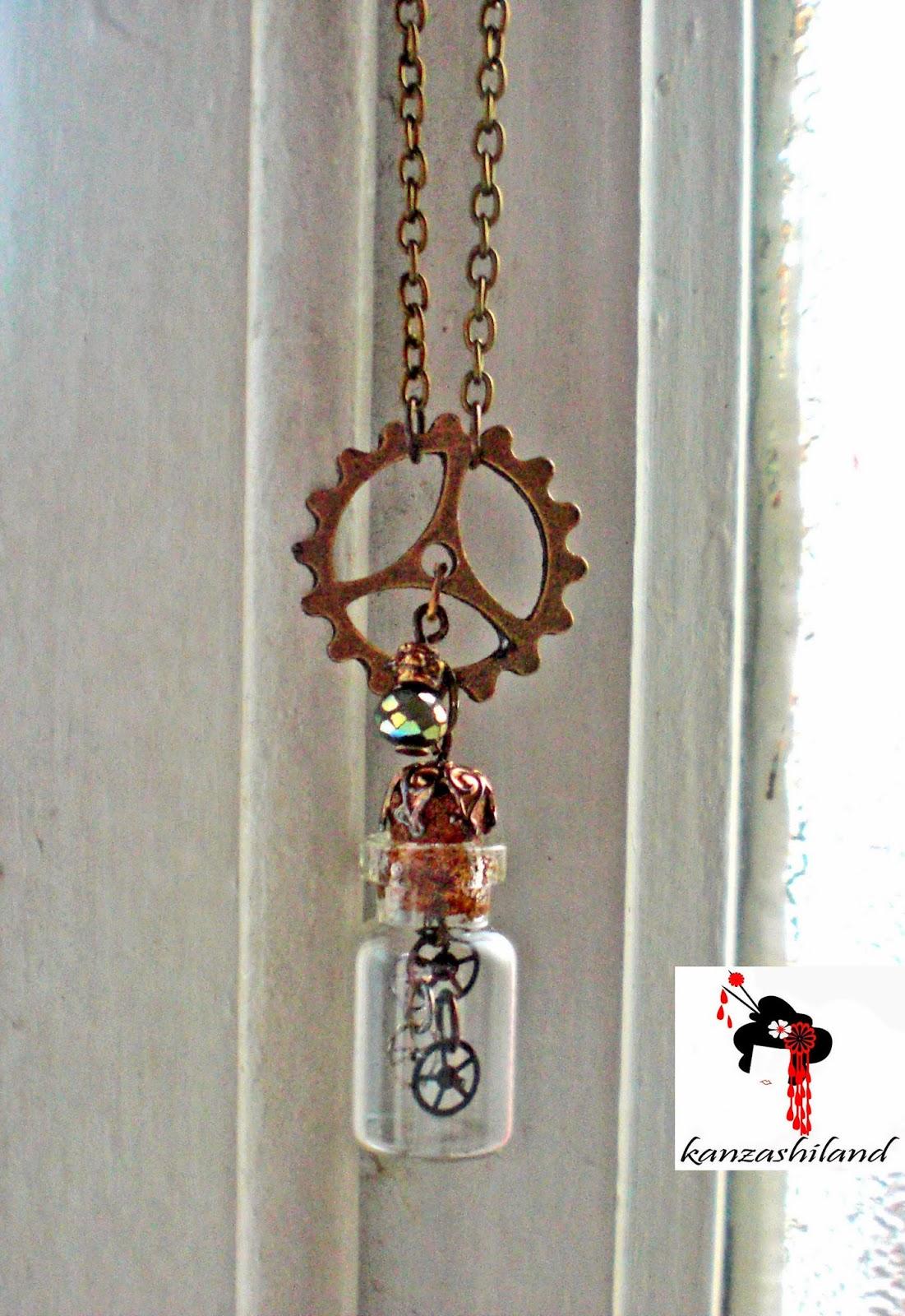 frasco de cristal con engranajes steampunk