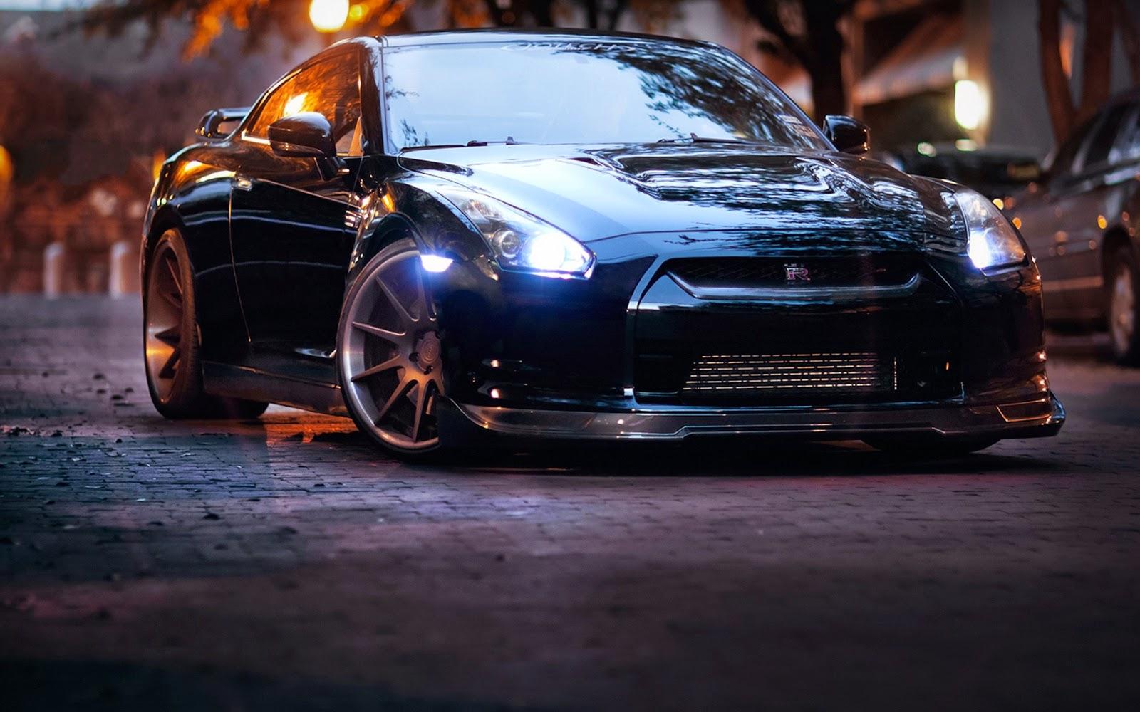 mobil sport Nissan GT-R