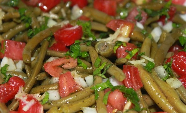 Crisp Haricots Verts Salad With Fresh Tomatoes And Garlic Recipes ...