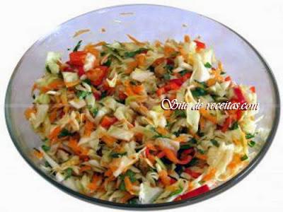 Salada picante de repolho