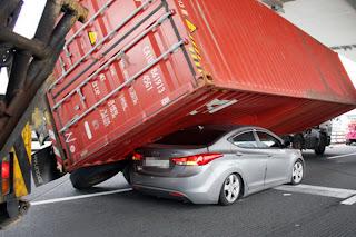 Hyundai-Elantra-Low-Rider-3