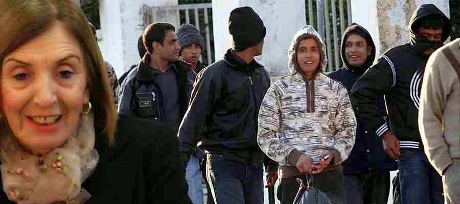 """Ντου από παντού κάνουν οι λαθρομετανάστες στην χώρα μας... Θέλουν να συναντήσουν την """"ουάου"""" Χριστοδουλοπούλου!"""