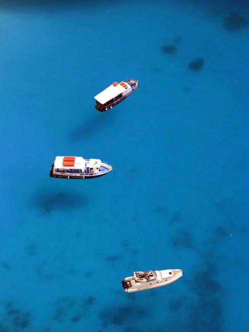 Di sekitar pulau Zakynthos