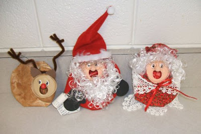 Caroling crushed can ornaments 1