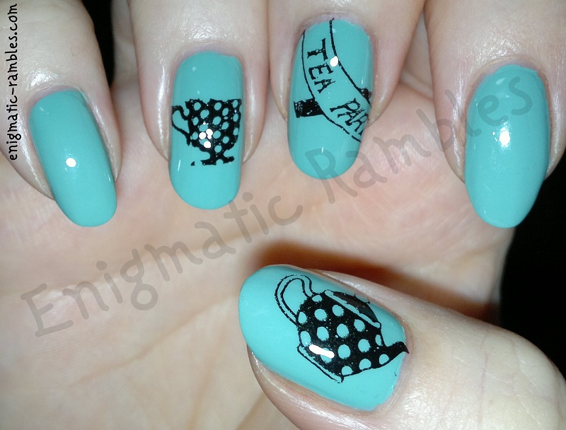 Leighton-Denny-Morning-Dew-MoYou-London-Alice-in-Wonderland-Collection-02
