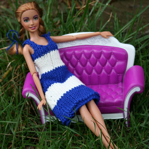 Knitting Patterns For Bratz Doll Clothes : knitca: Navy dress for Barbie doll