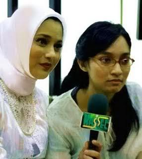 Bella Fawzi bersama Ibu Marissa Haque dan Tante Vonny di Medan, Tahun Baru 2010
