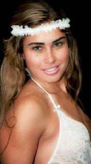 Rita participou e venceu o concurso Garota Zona Oeste 2011. Nessa época, a mais nova musa carioca já dava pinta de modelo. Após o concurso e ao longo do tempo, a gari compartilhou diversas fotos sensuais na net.