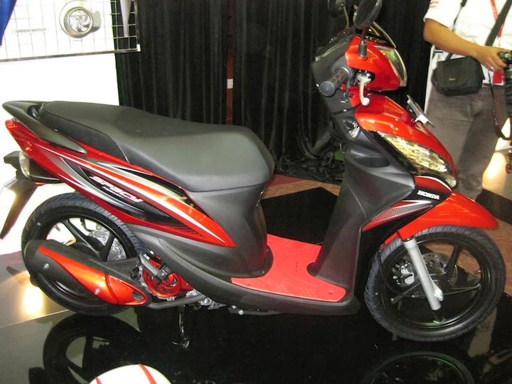Just My Idea Inside   Pilih Motor Matic Yamaha  Honda
