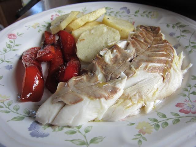 Pescados de temporada lubina for Salsa para lubina a la sal