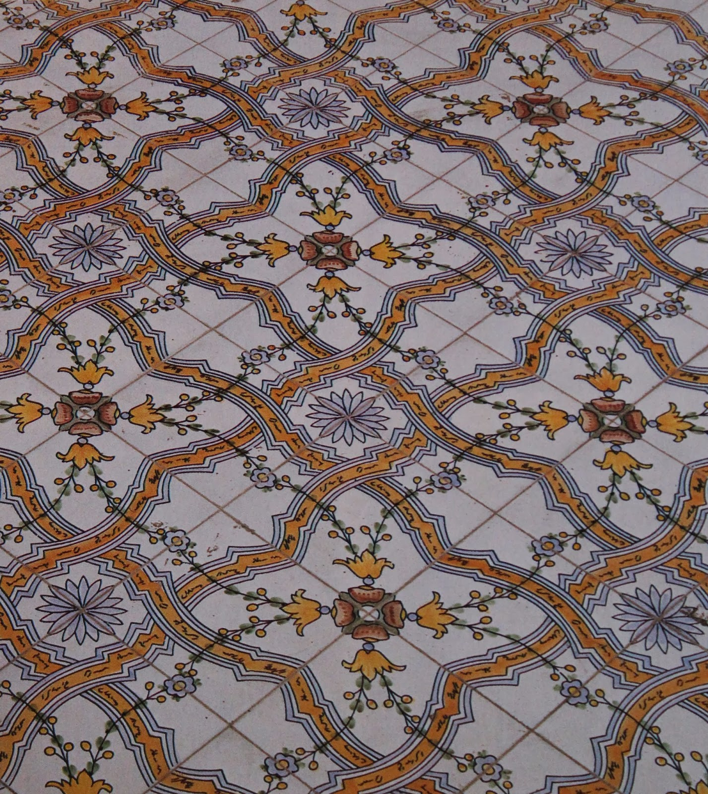 Reportagesicilia le mattonelle maiolicate sui tetti di palermo - Rasare su piastrelle ...