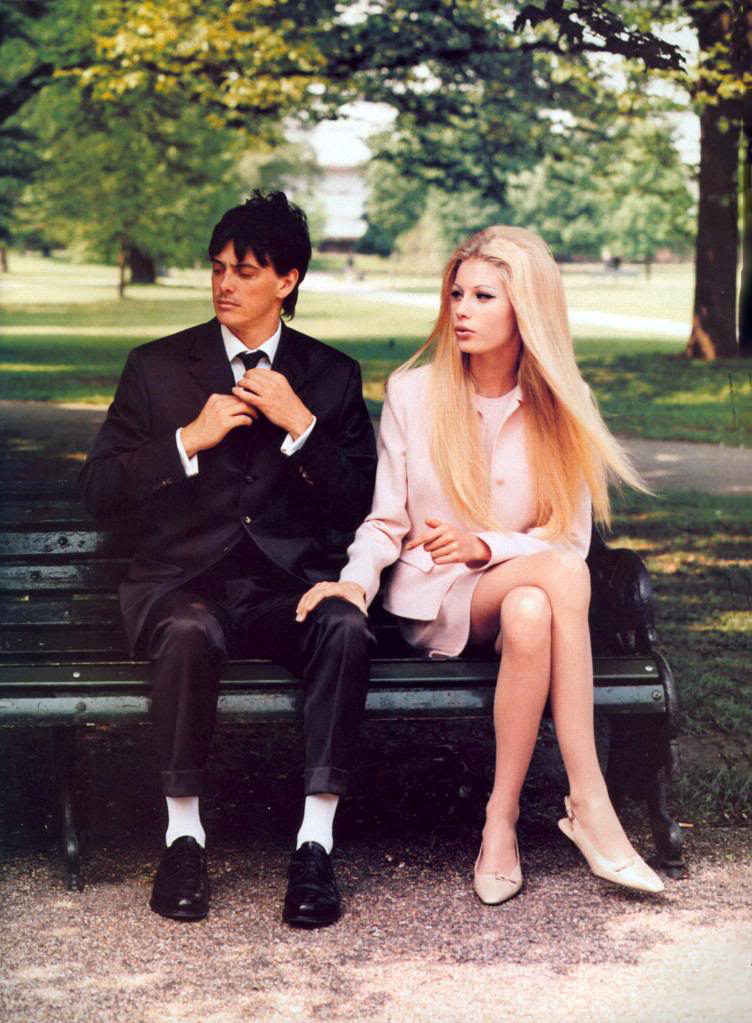 Kirsty Hume in Seasoned simplicity / Vogue US September 1995 (photography: Arthur Elgort, styling: Grace Coddington) via fashioned by love british fashion blog