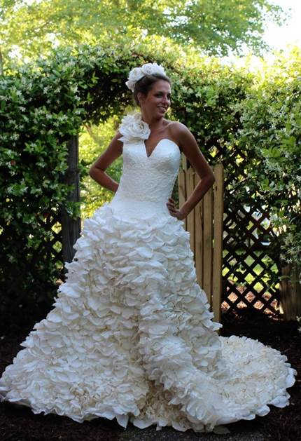 Mimoza Haska Toilet Paper Wedding Dress