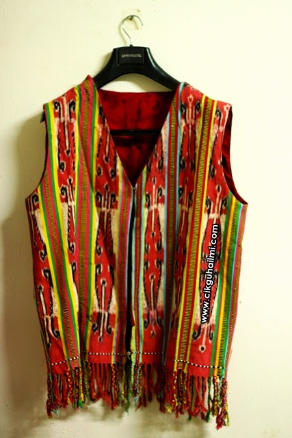 Hadiah Hari Guru Paling Bermakna Baju Burung Tradisional Iban