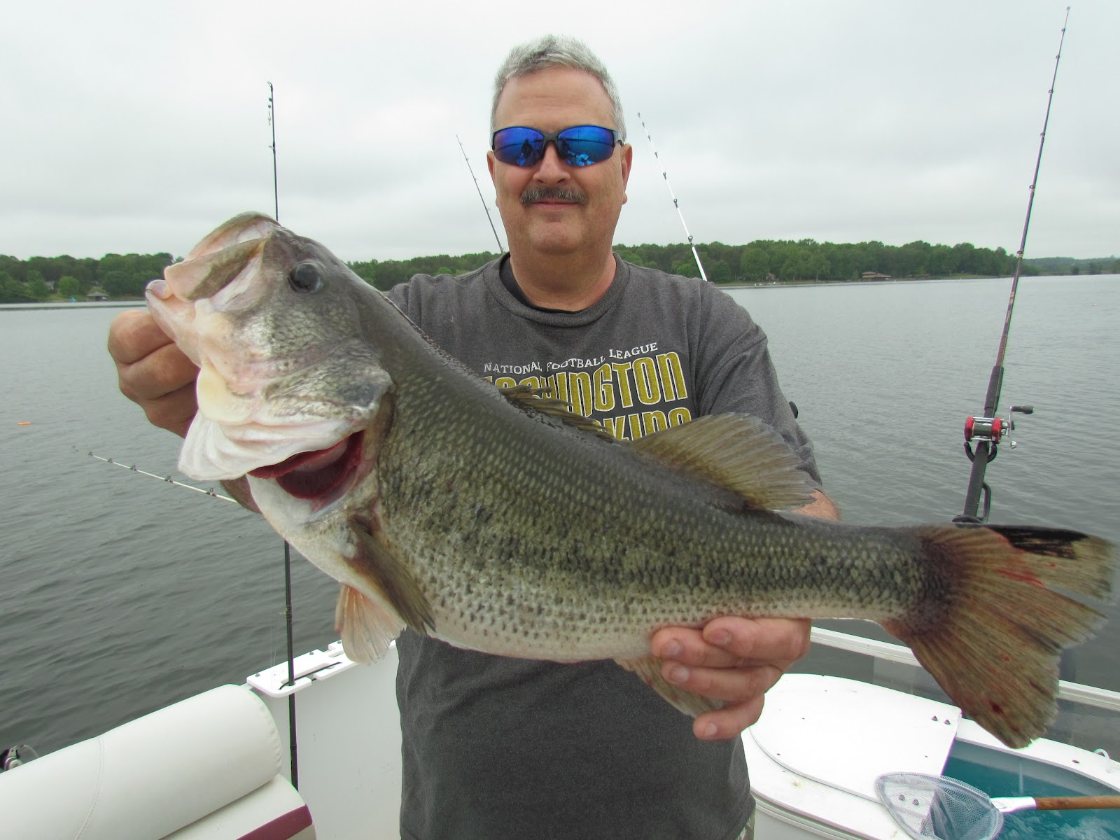 Lake anna striper guide journal shawn big al and john for Lake anna fishing