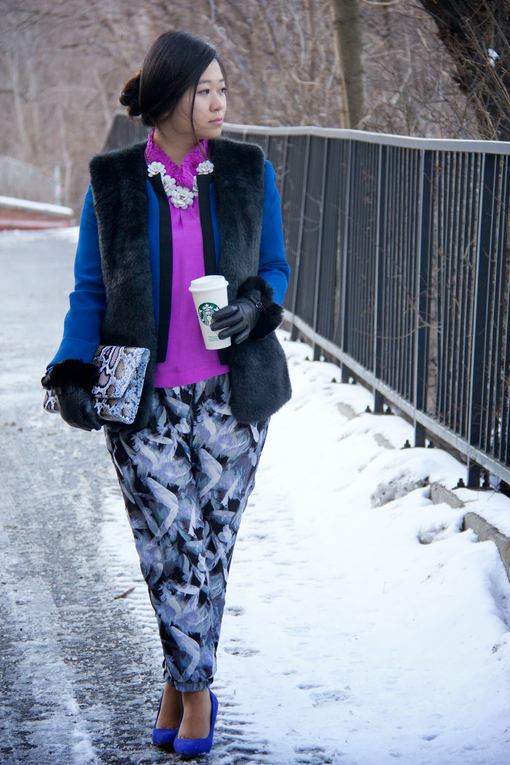Statement-Necklace, Faux-Fur-Vest, Blue-Black-Blazer, Print-Trousers