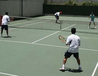 Como fazer uma boa tática no jogo de duplas no Tenis