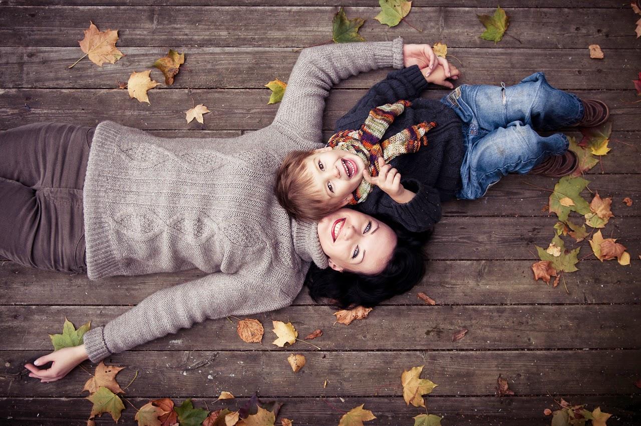 Mãe e filho menino