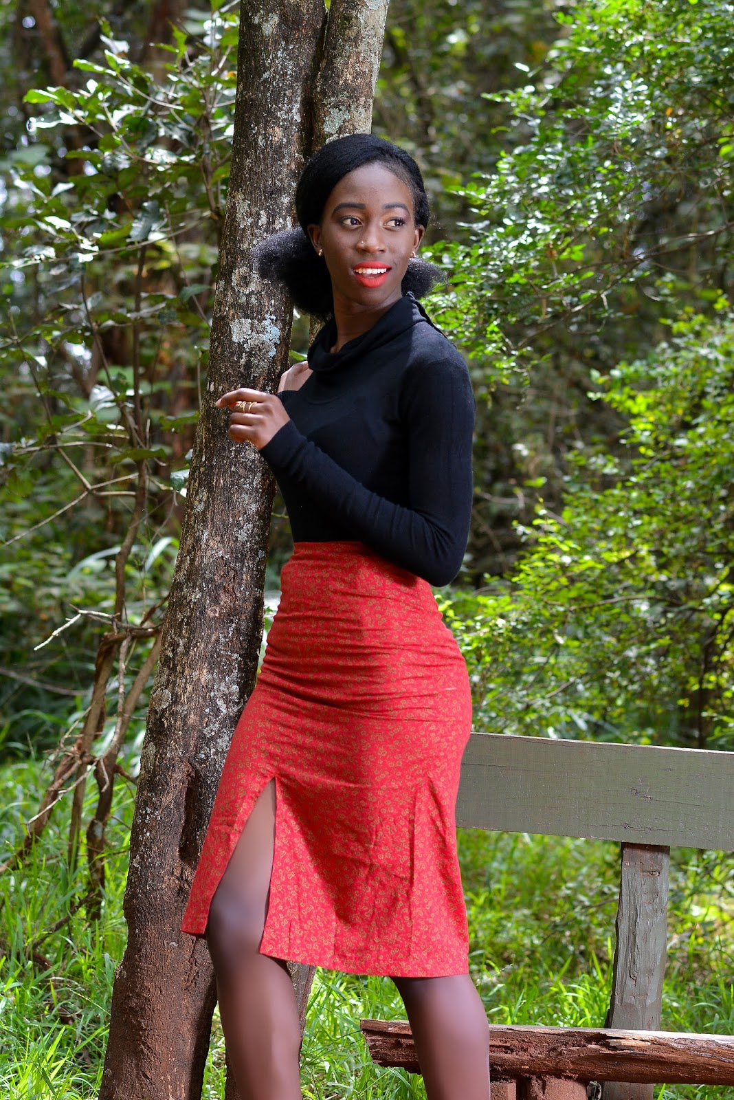 Ezil, style with ezil, african fashion blogger, Kenyan fashion blogger, Kenyan designer, Thrift Transformations, Pencil skirts, FronT slit skirts, How to wear a red Skirt, How to style a red front slit skirt.