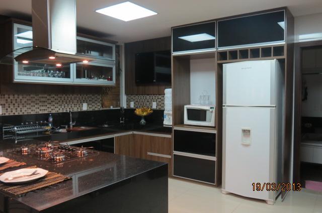 Construindo um Castelinho Enfim A Cozinha! # Armario De Cozinha Vai Ate O Teto