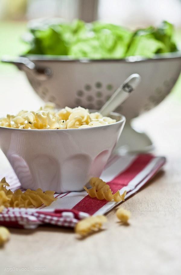 Lecker Nudeln mit Buttersauce Kräuterbutter schnelles Essen einfach