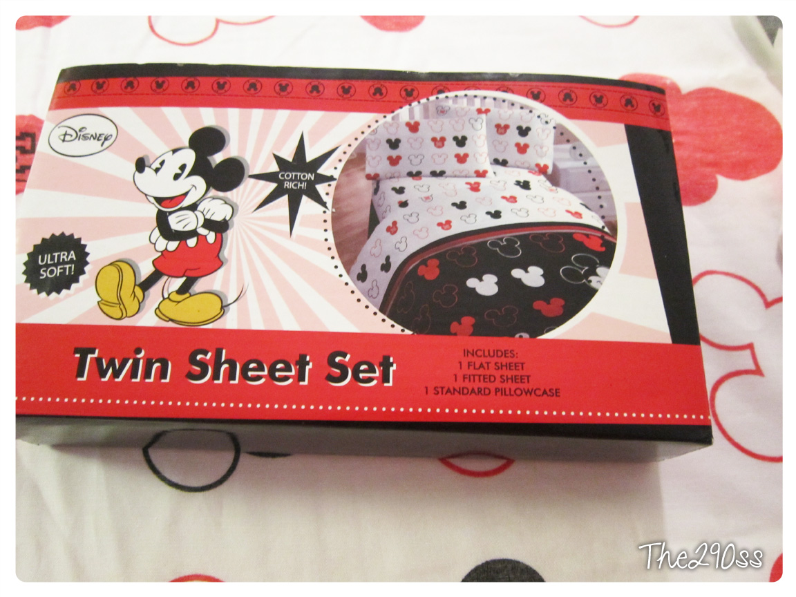 Beautiful Crib Sheets from a Twin Set Mickey Mouse Themed