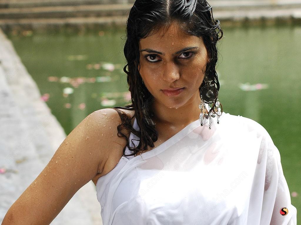 Shruthi Haasan Sex image Ruby Hoffman,Iain Robertson (born 1981)