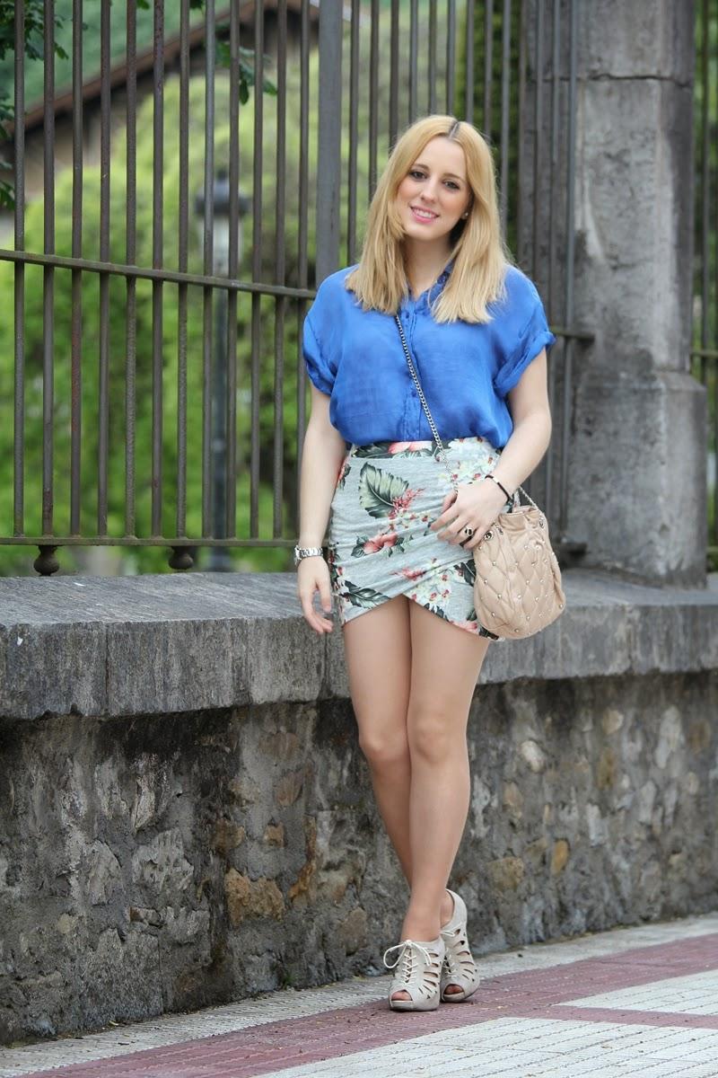 camisa_azul-falda_flores_drapeada_zara-primavera_verano-fashion_blogger_bilbao