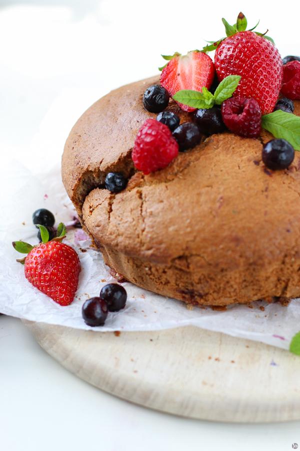 Berrylicious Buttermilk Cake