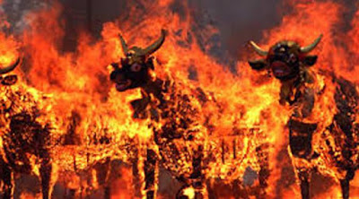 [Regional] Jenazah Penari Calonarang Nahas Dibakar Bersama Topeng Rangda