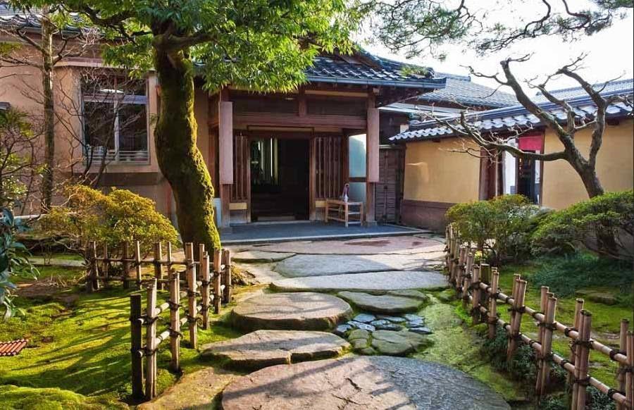 Desain Rumah Nuansa Tradisional